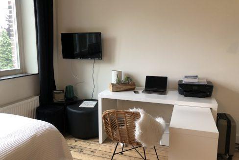 Hoogfrankrijk 27B06 - Desk